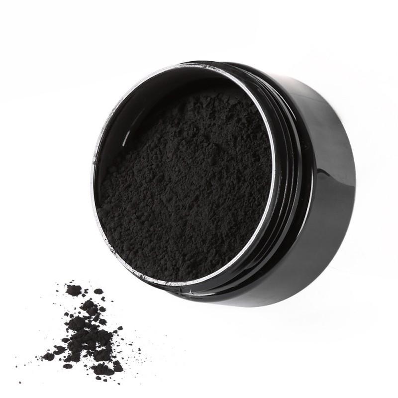 poudre de blanchiment des dents de charbon de bois