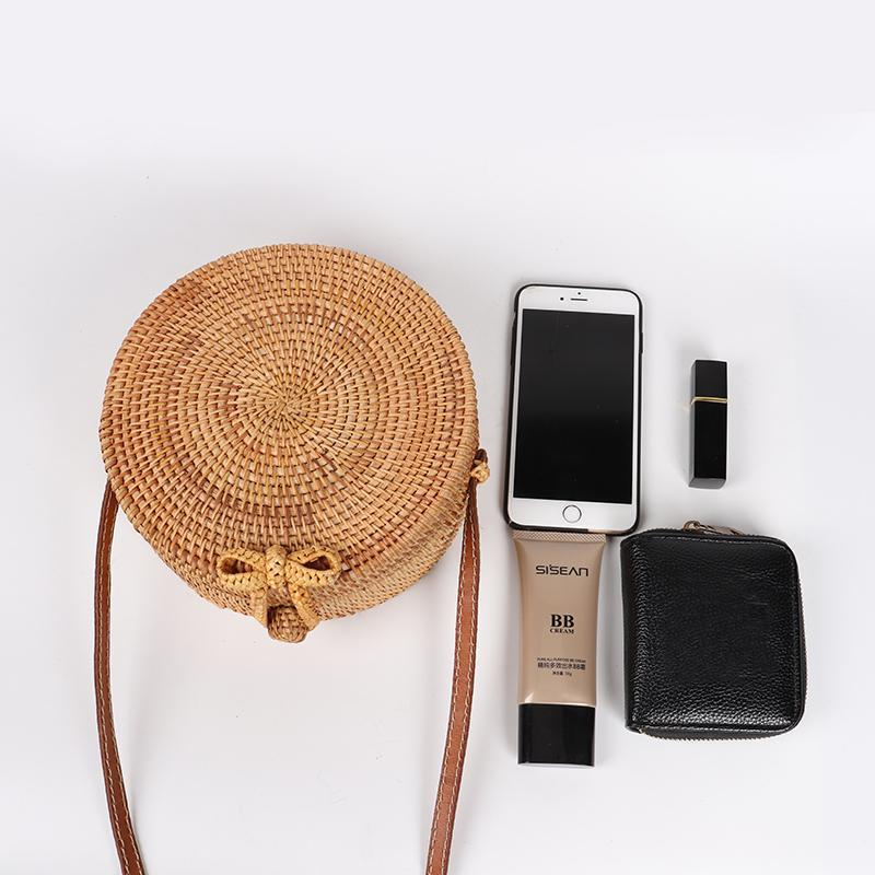 fashionable-straw-bag-for-women